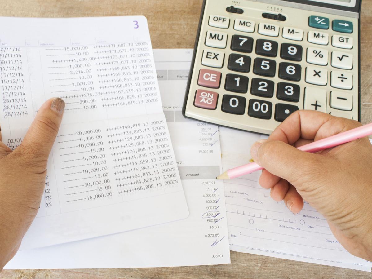 excel sheet or money manager app?