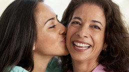 8 financial gifts Mother's Day